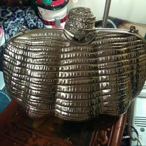 Vintage clamshell clutch, with silver chain